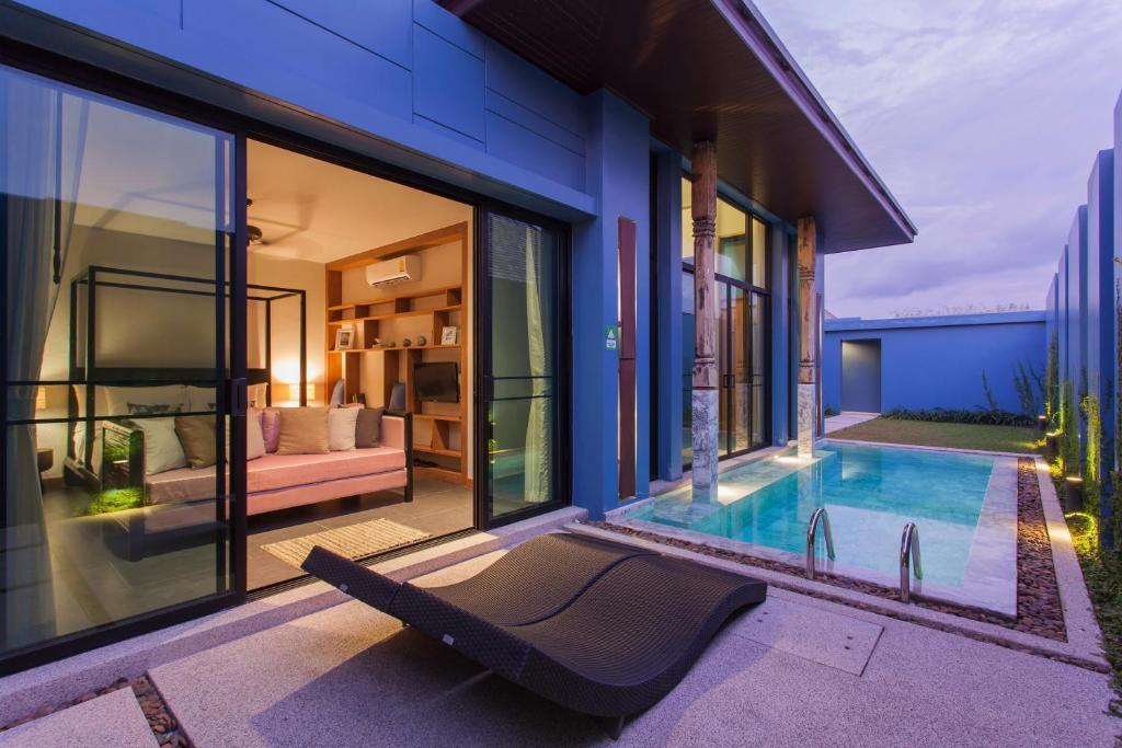 cheap pool villa
